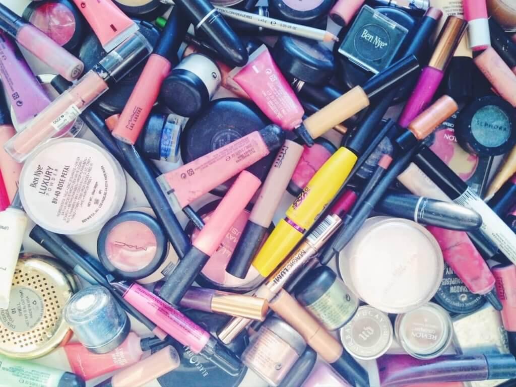 Create Your Makeup Capsule Wardrobe